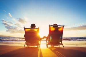 Entspannter Ruhestand in der Sonne am Strand
